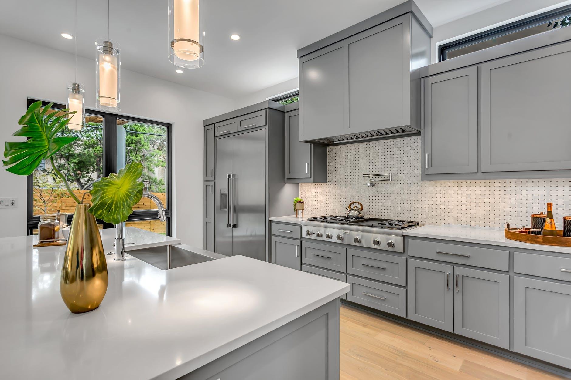 ниво на кухненските мебели